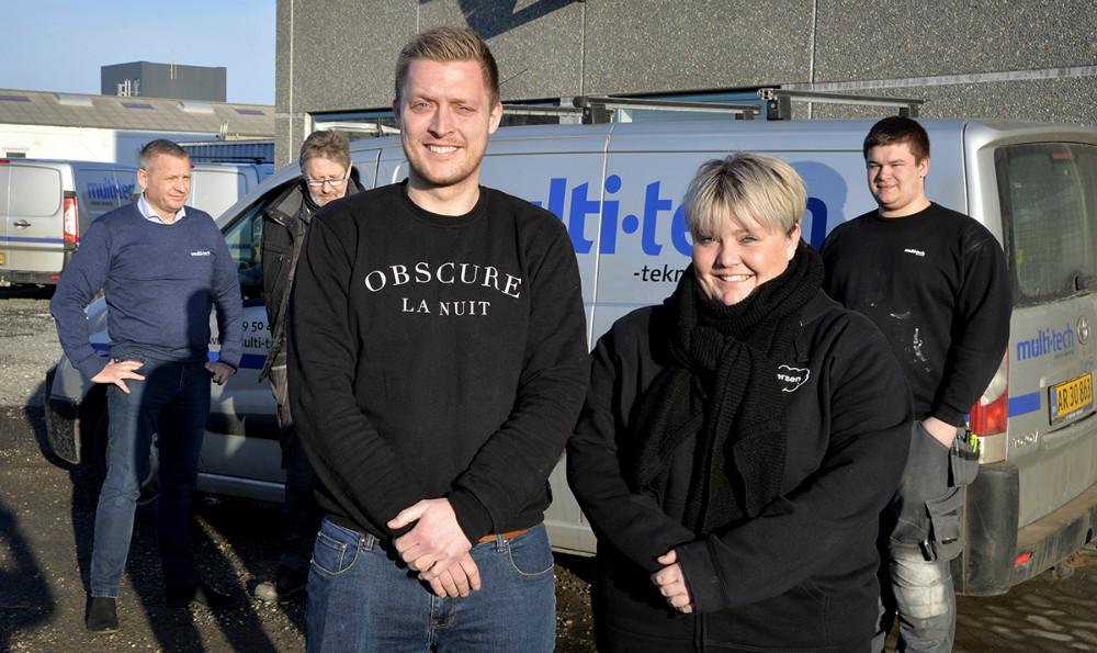 Lærerne Nicolai Lind Christensen og Louise Ettrup Ejlersen har været i praktik hos Multi-Tech i Kalundborg. Foto: Jens Nielsen