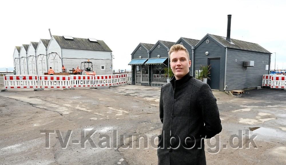 Nu kan kunderne igen køre helt op foran Asgers Fisk. Foto: Jens Nielsen