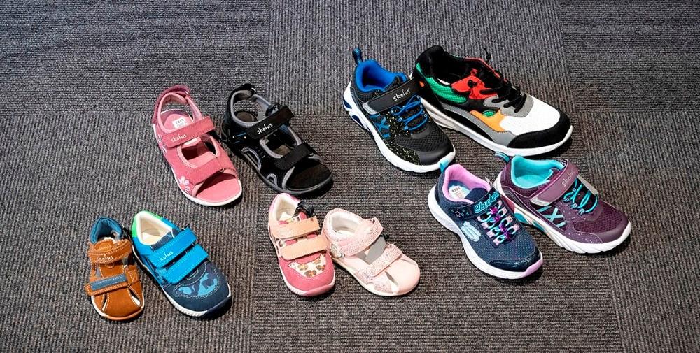 Et lille udsnit af de mange sko og sandaler som er på tilbud til Børnenes uge. Foto: Jens Nielsen