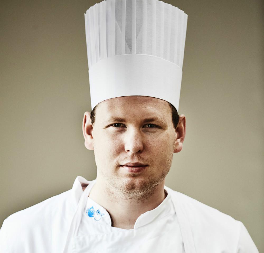 Morten Falk, tidligerekøkkenchef fra Michelin stjerne-restauranten KadeauBornholm.