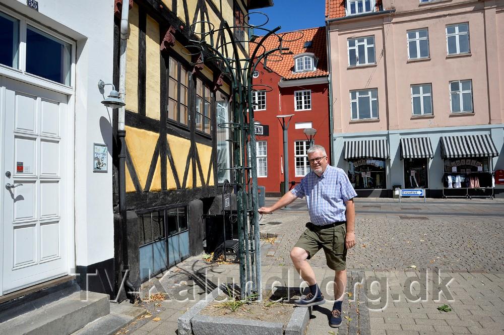 Hvorfor fjerner man ikke sådan et stativ når det ikke skal bruges mere, spørger Henrik Petersson. Foto: Jens Nielsen