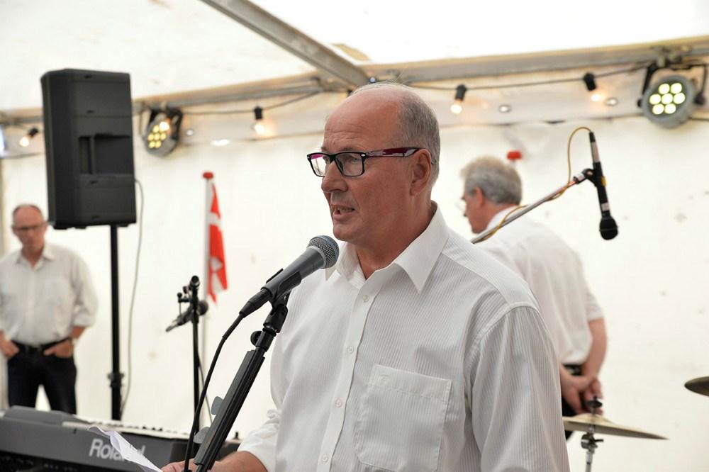 Bestyrelsesmedlem Johnny Lihme bød de mange gæster velkommen. Foto Jens Nielsen