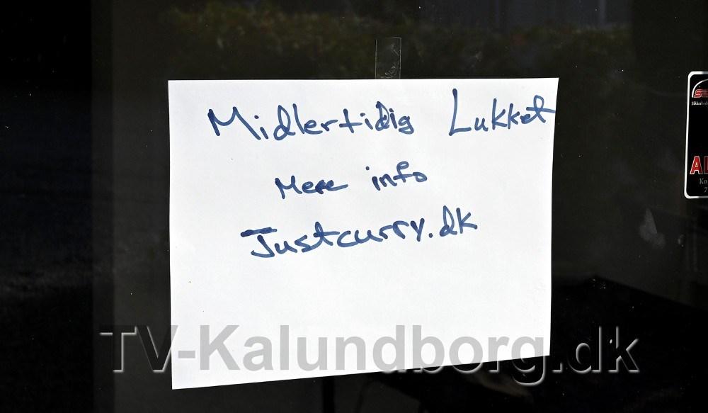 Skiltet her møder kunderne, når de besøger Just Curry på Lerchenfeldvej. Foto: Jens Nielsen