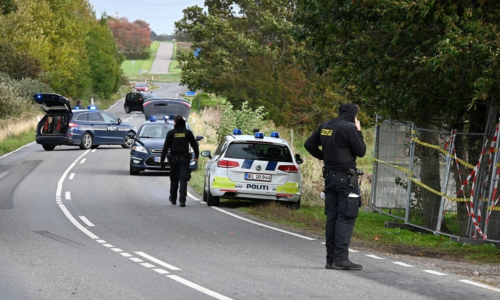 Politiet var massivt tilstede på Ulstrupvej i Gørlev efter overfaldet, og Ulstrupvej var spærret i flere timer. Foto: Jens Nielsen