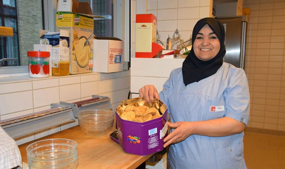 Faiza Alhabasher under IGU uddannelse på JernholtparkenKalundborg. Foto: Gitte Korsgaard.