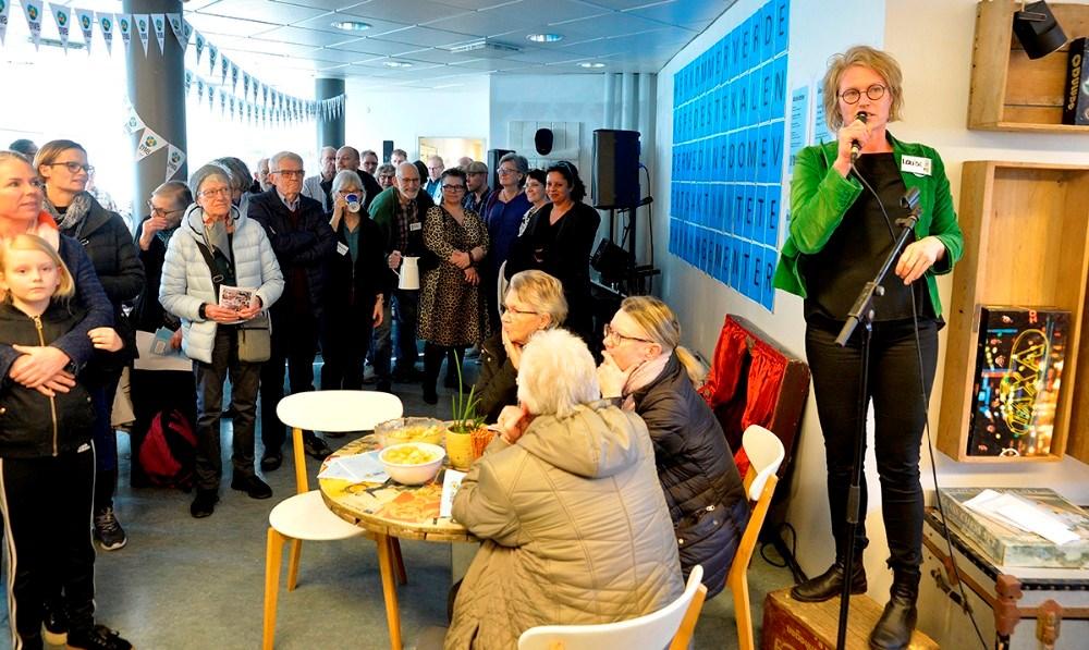 Louise Kolbjørn, idékvinden bag Symb og daglig leder, holdt tale til de mange fremmødte gæster, da lokalerne på den gamle Kalundborg Station blev indviet for et år siden.Arkivfoto: Jens Nielsen