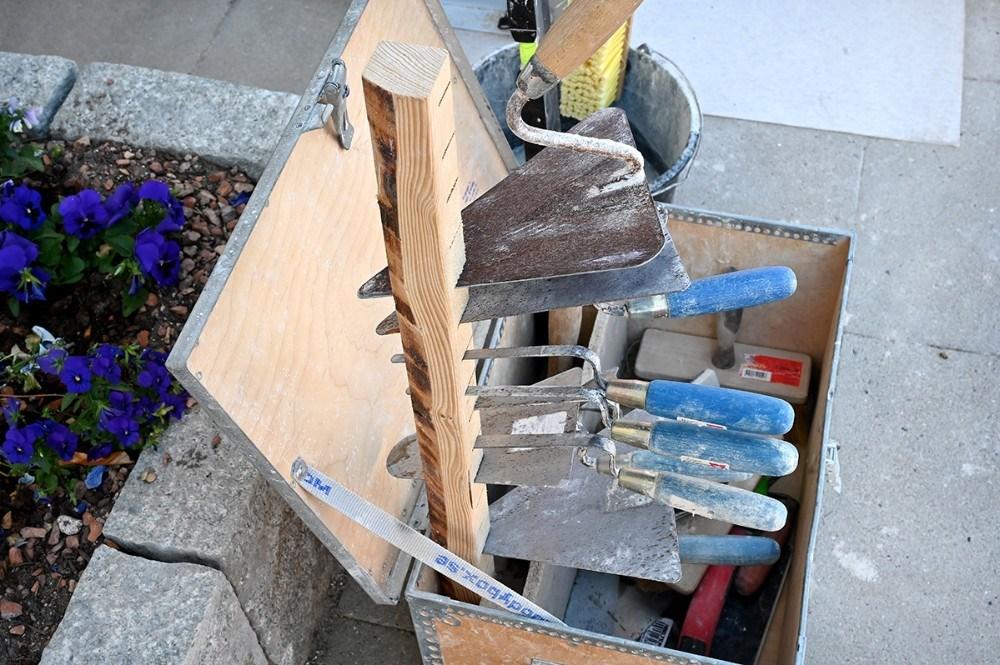 Murerens værktøjskasse er udstillet. Foto: Jens Nielsen