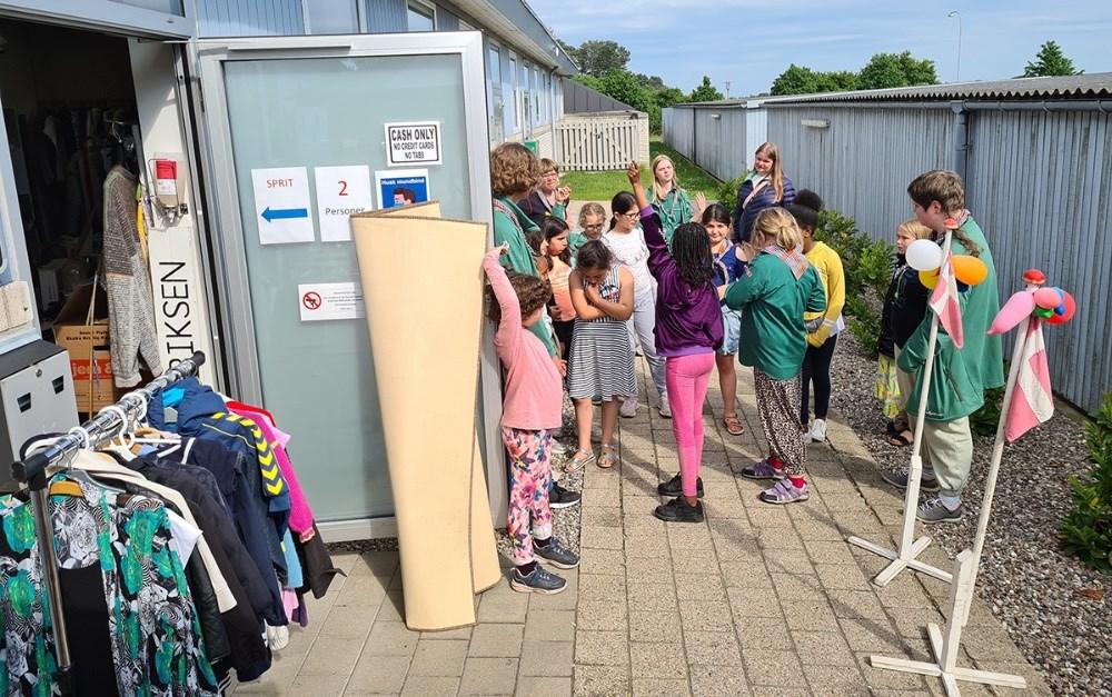 De grønne pigespejdere lærer om affald og genbrug. Privatfoto.