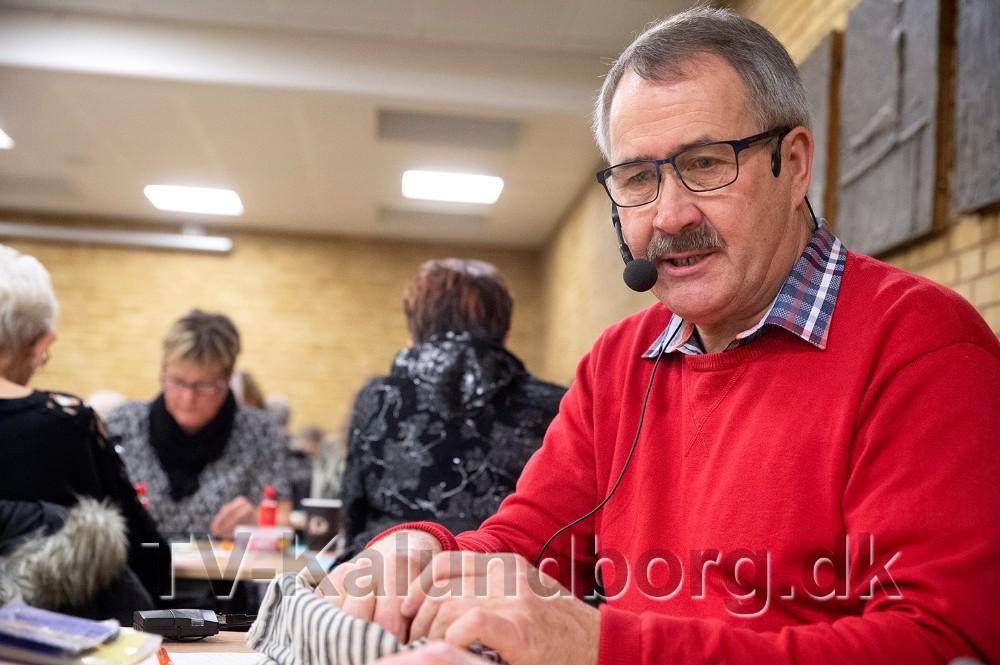 Niels-Erik Sørensen som opråber ved bankospil i Kalundborghallen. Foto: Jens Nielsen