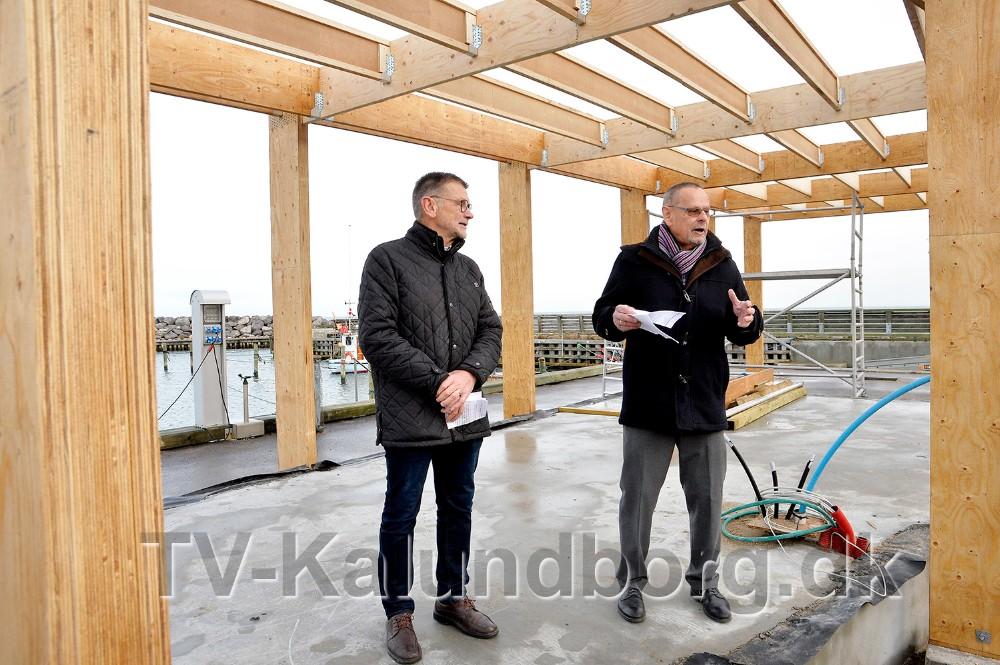 Formand for Røsnæs Udvikling- og beboerforening, Troels Birk Kristoffersen sammen med formand for Kultur- og Fritidsudvalget, Ole Glahn. Foto: Jens Nielsen