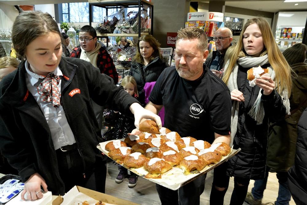 Der blev spist lige omkring 250 fastelavnsboller. Foto: Jens Nielsen