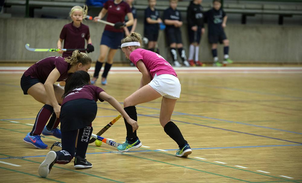 KKalundborg/Slagelse holdet i lørdagens kamp mod Gentofte, lørdag formiddag (Kalundborg/Slagelse i pink). Foto: Jens Nielsen