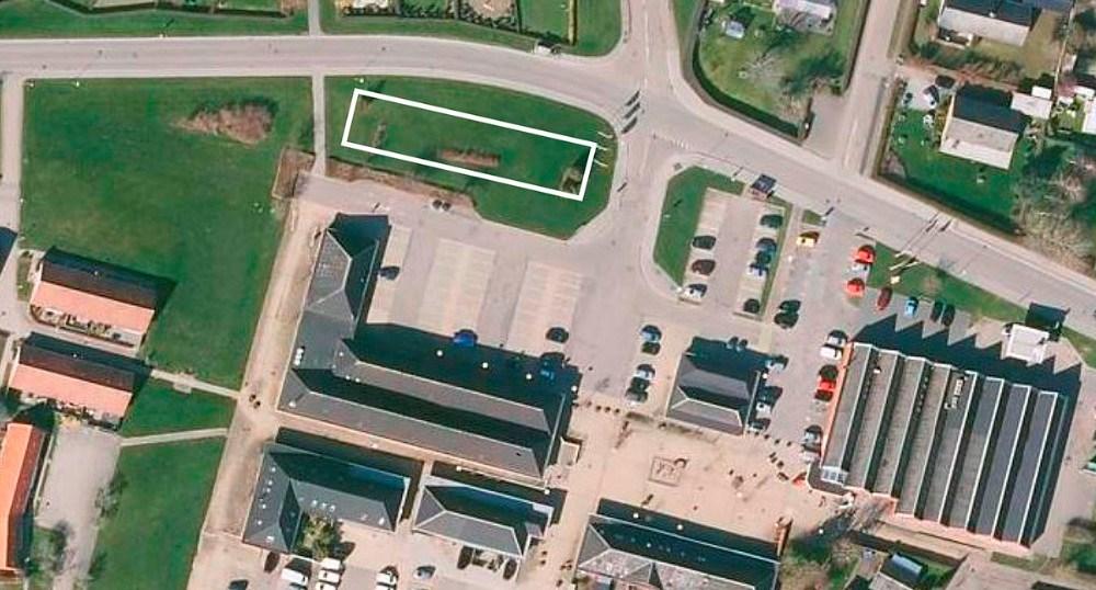 Der skal bygges i det hvide felt tæt på Svebølle Centret. Foto: Jens Nielsen