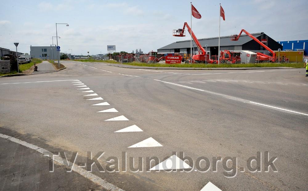 Vigepligten i krydset på Stejlhøj ved Loxam og Havecentret, er blevet ændret. Foto: Jens Nielsen