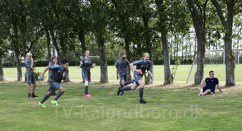 I denne uge er der DGI fodboldskole i Kirke Helsinge. Foto: Gitte Korsgaard.