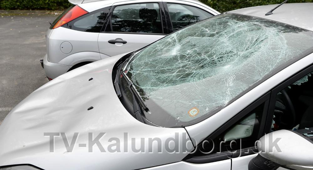 Voldsomt hærværk mod personbil får nu ejeren til at udlove en dusør. Foto: Jens Nielsen