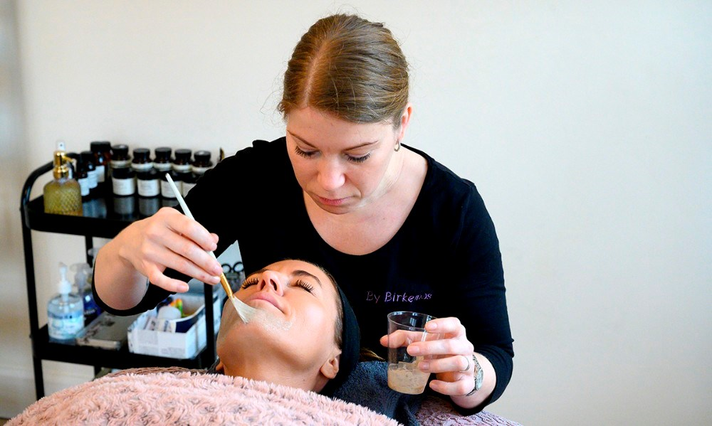 By Birkemos tilbyder nu også ansigtsbehandling. Foto: Jens Nielsen