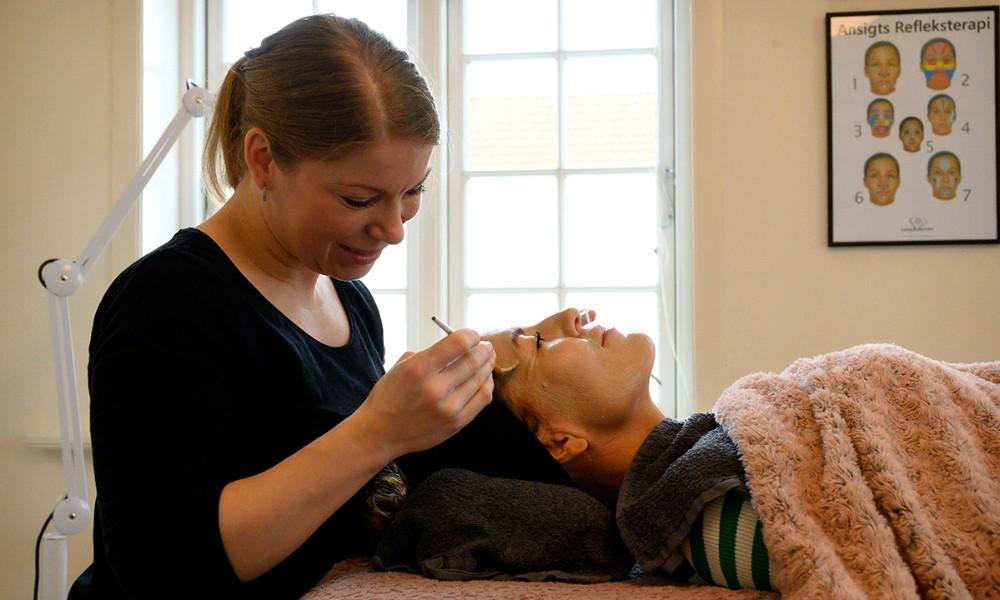 By Birkemos har et års fødselsdag og der er rigtigt travlt i klinikken. Foto: Jens Nielsen