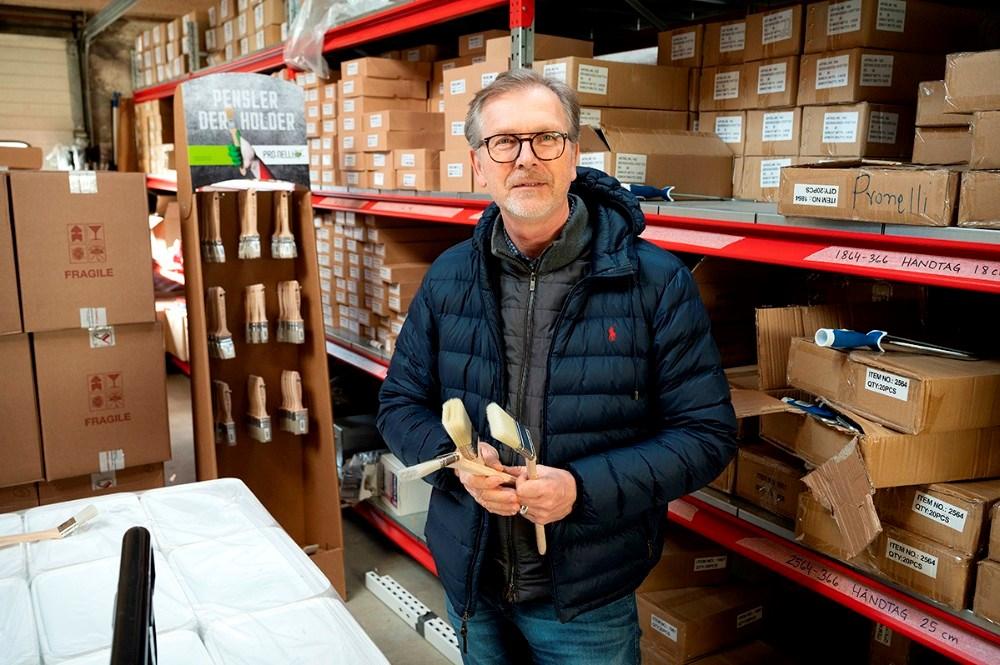 Per Albert Hektoft har også firmaet ProNelli som sælger italienske håndlavede pensler. Foto: Jens Nielsen