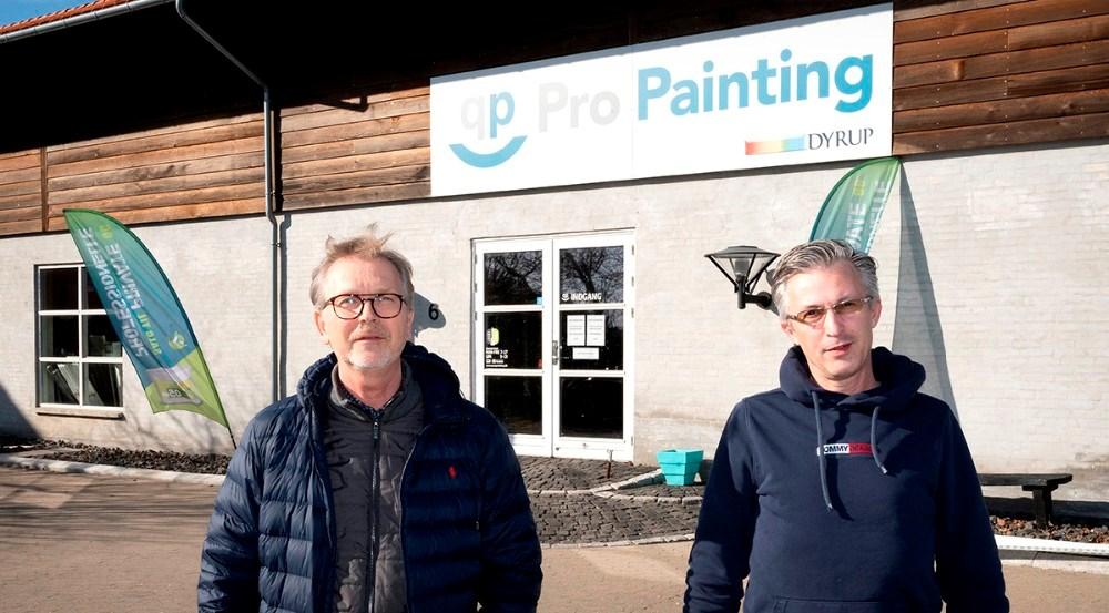Per Albert Hektoft, indehaver af Propainting og butikschef Jack Egebjerg glæder sig til det nye samarbejde med Jotun. Foto: Jens Nielsen