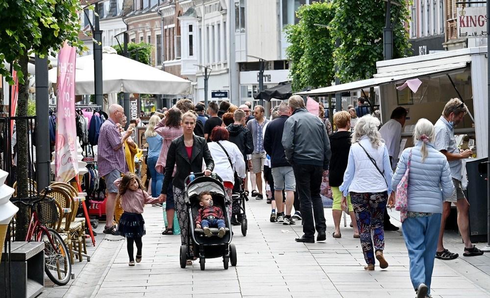 Madmarkedet gav ekstra liv i Kordilgade. Foto: Jens Nielsen