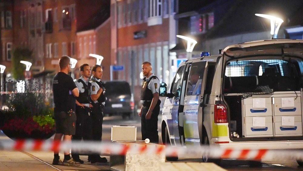 Politiet var massivt til stede i Kordilgade tirsdag aften. Foto: Jens Nielsen