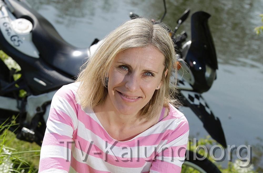 Annette Birkmann holder foredrag på Svebølle Kvik Bibliotek.