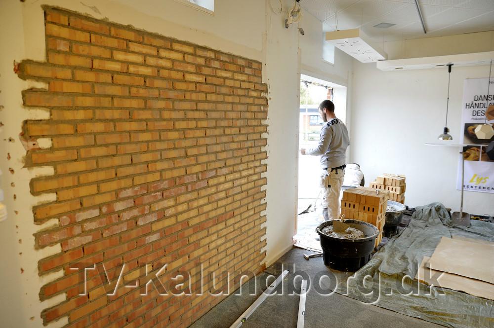 To vinduer mures til. Foto: Jens Nielsen
