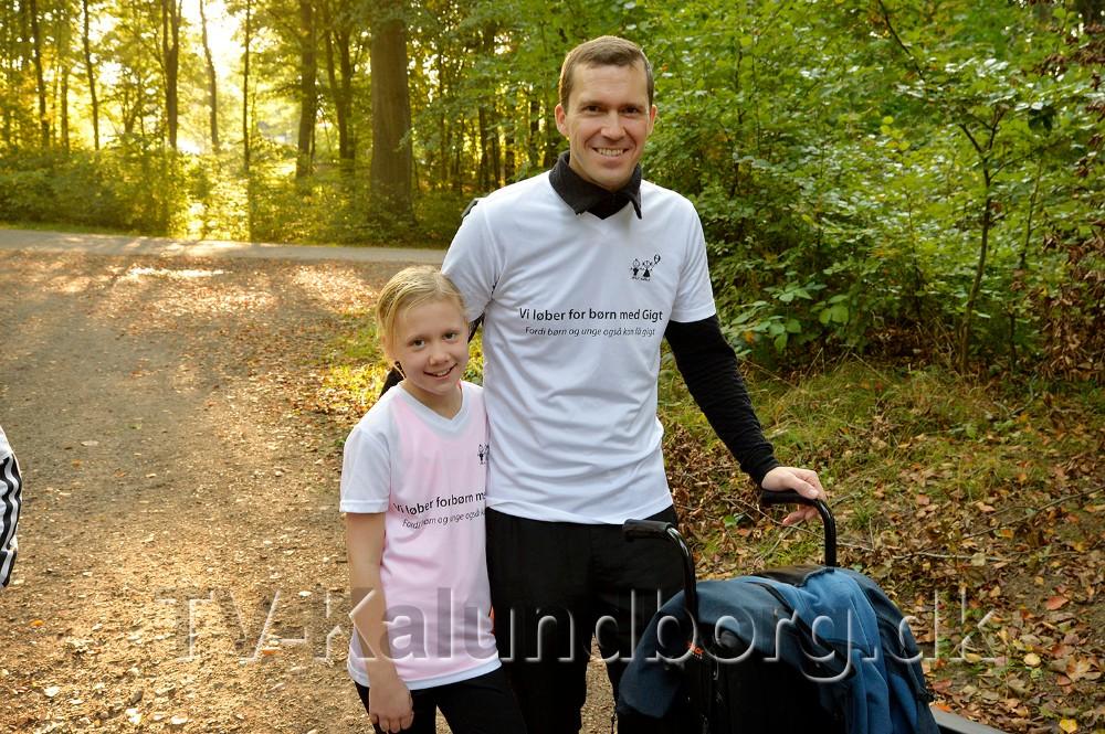 Emelia sammen med sin far Alex Neill. Foto: Jens Nielsen