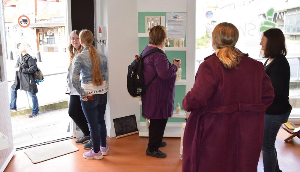 I dag åbnede den socialøkonomiske butik Thumbs Up i Cordilhus i Kordilgade i Kalundborg. Foto: Gitte Korsgaard