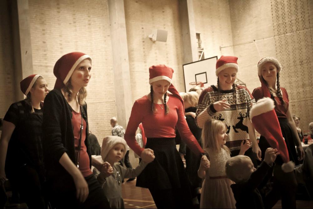 Juletræsfest i Hønghallen, søndag eftermiddag. Privatfoto