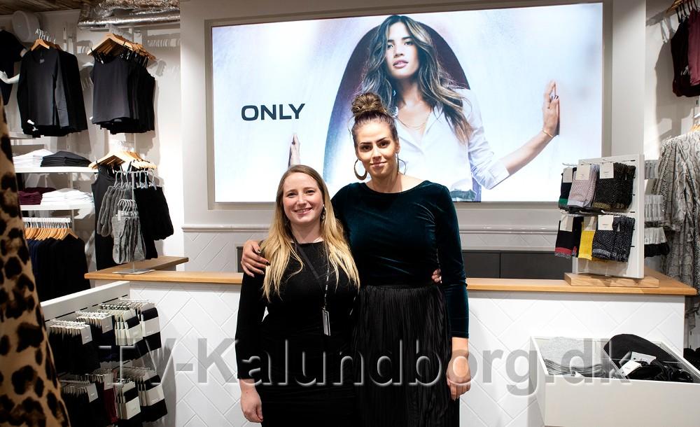Fra venstre, ButikschefMaya Wraae og butiksassistent Nina Weinreich, klar i den helt nye Only forretning i Kordilgade. Foto: Jens Nielsen