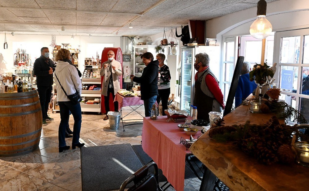 Butikken på Dyrehøj Vingaard holder ekstra åben indtil jul. Foto: Jens Nielsen.