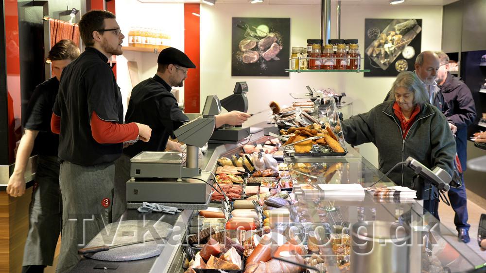 Forretningen fremtræder indbydende med masser af varer. Foto: Jens Nielsen