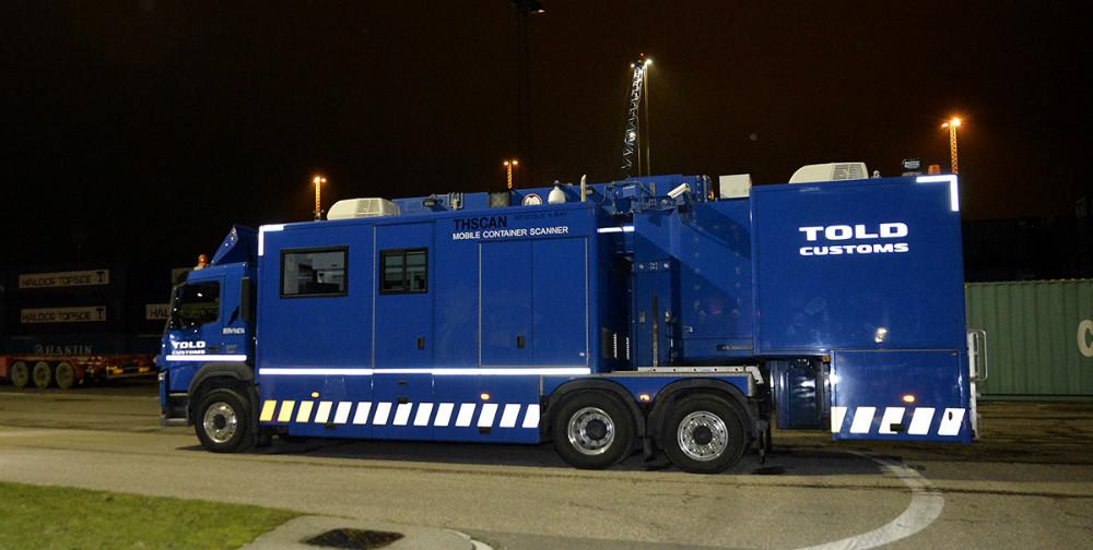 Den store lastbil scanner fra Skat var fredag aften på kontrol i Kalundborg. Foto: Jens Nielsen