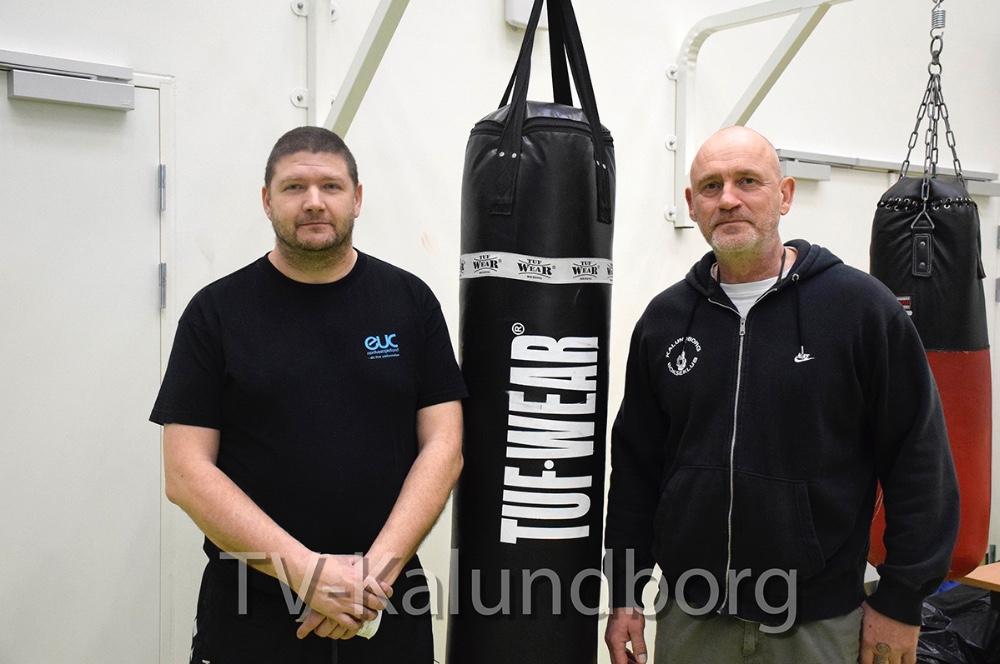 Cheftræner, Jesper Christiansen (tv) og Formand for Kalundborg Bokseklub, Jesper Hansen. Foto: Gitte Korsgaard.