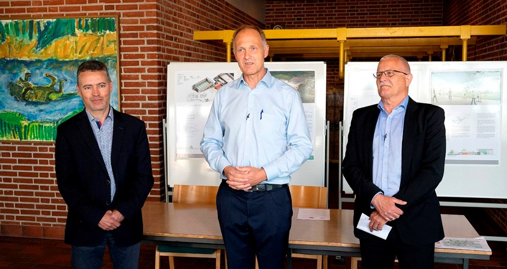 Fra venstre, Søren Heisel, næstformand SkillsDenmark, borgmester Martin Damm, og Jesper Juul Sørensen, formand SkillsDenmark. Foto: Jens Nielsen