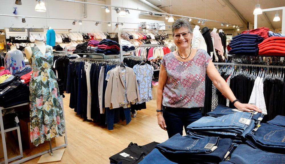 Birgit Petersen, der er butikschef i Trine. Foto: Jens Nielsen