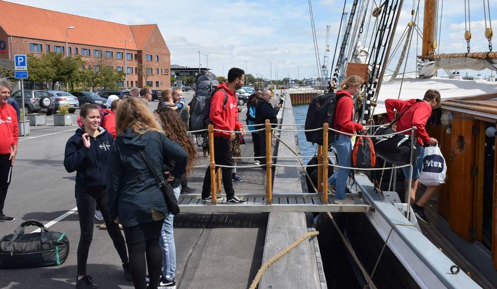 I dag drog 16 unge af sted på togt med skonnerten Fylla. Foto: Gitte Korsgaard.