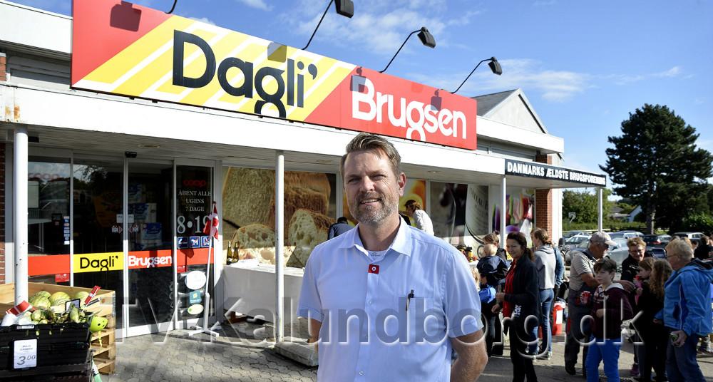 Uddeler Jimmie Rasmussen, Dagli´Brugsen Tømmerup, fejrede 10-års jubilæum. Foto: Jens Nielsen