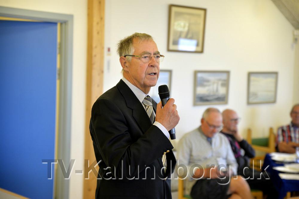 Jubilæumstalen var lagt i hænderne på Leif Jensen, mangeårig formand for Kalundborg Sejlklub og med på C-holdet siden 2000. Foto: Jens Nielsen