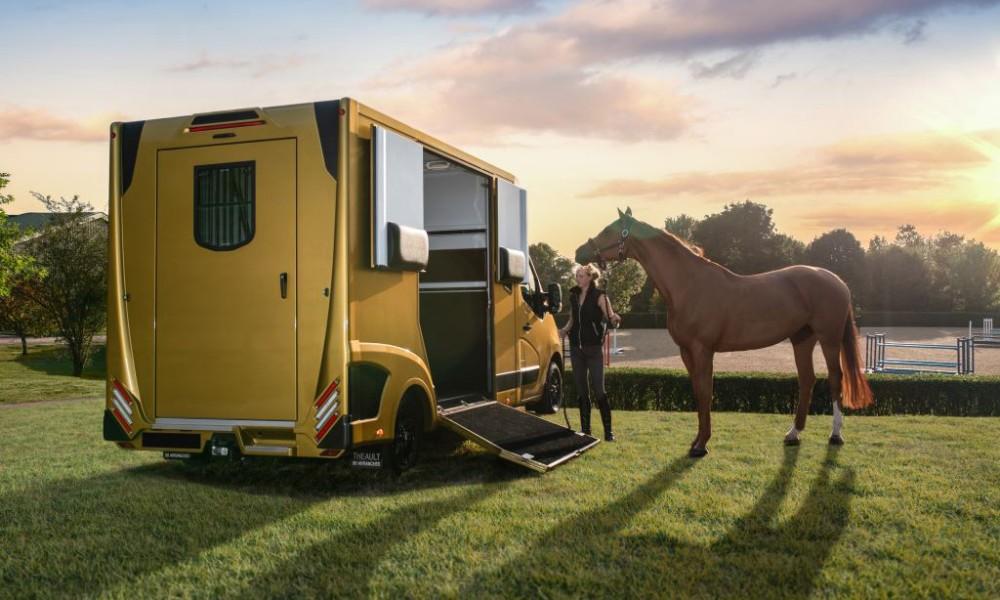 Glad Trading A/S udvider i 2019 forretningen med produktet Theault, hvilket er en fransk (Normandiet) producerede hestebiler, med plads til 2 heste