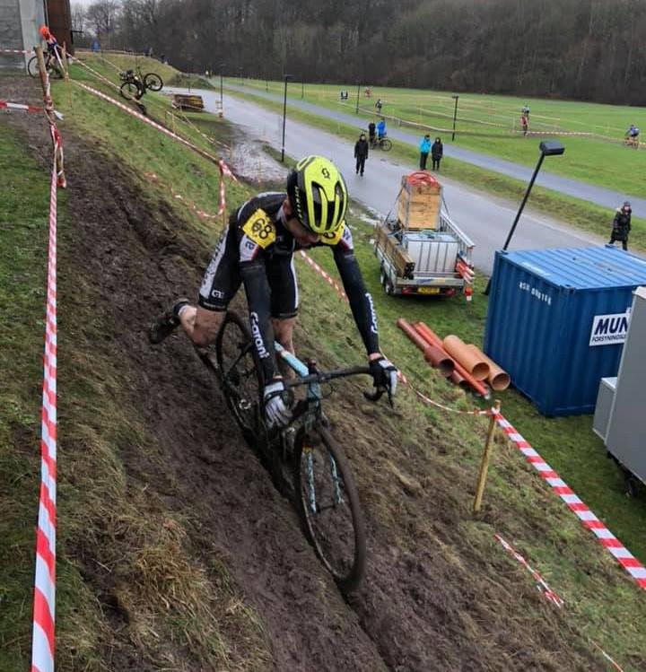 Lucas Lorentsen desværre på 3. omgang og måtte udgå af løbet på den teknisk svære bane. Privatfoto