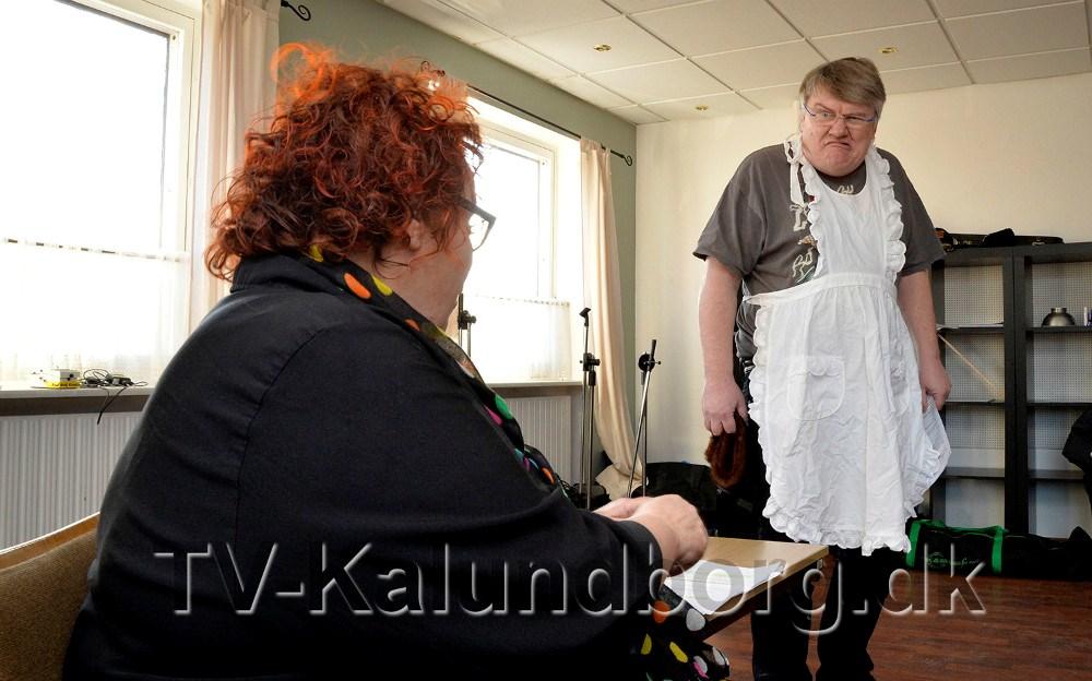 Rockeren ´Bananen´ er sendt i samfundstjeneste hos en ældre dame, det kommer der en del forviklinger ud af. Foto Jens Nielsen