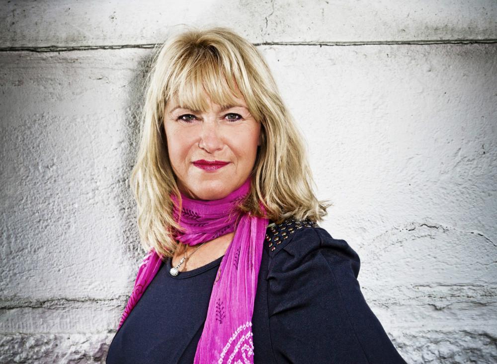 Foredrag med Christine Feldthaus, onsdag den 15. maj, bliver afholdt i Kino Den Blå Engel, som planlagt, til trods for brand i bygningen for godt en uge siden.