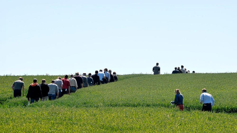 Nogle af de mange deltagere til demodag i Melby. Foto: Jens Nielsen