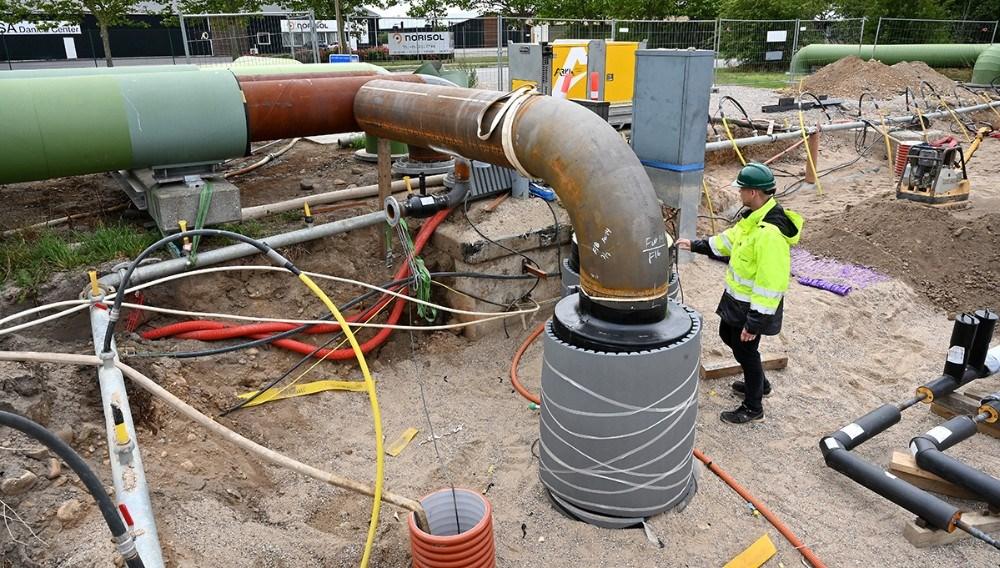 Alt er forberedt til mindste detalje inden Kalundborg Forsyning lukker for varme og varmt vand i 48 timer. Foto: Jens Nielsen