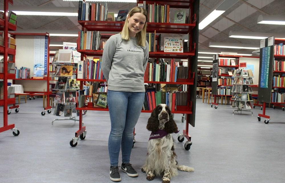 Der er stadig pladser til Læsehundene på biblioteket i Ubby og i Høng.