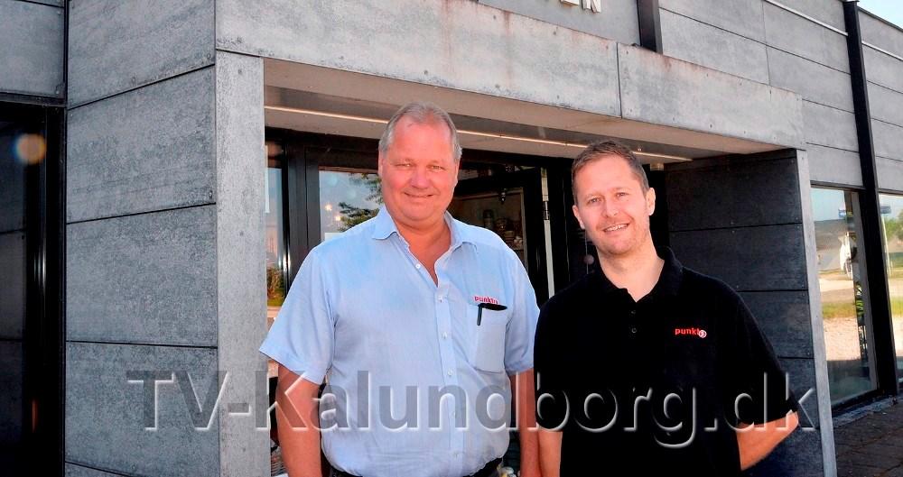Steen Jensen og Jesper Abkjær Petersen  er blevet enige med Rema 1000 om et nyt stort byggeri ved rundkørslen i Gørlev. Arkivfoto: Jens Nielsen