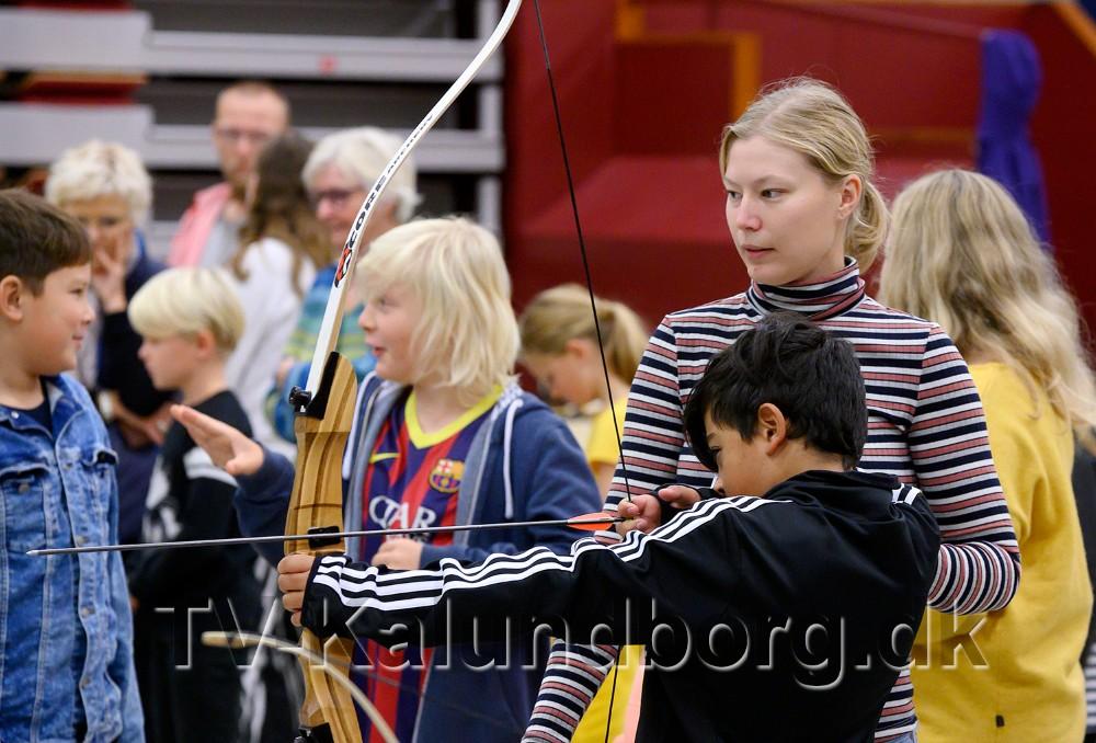 VM-skytte Pernille Olsen fra Kalundborg Bueskytteforening, var blandt instruktørerne. Foto: Jens Nielsen